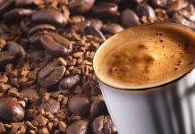 Türk Dil Kurumu kahve kelimesini tanımlarken isim, bitki bilimi ve Arapça çerçevesinde incelemektedir.